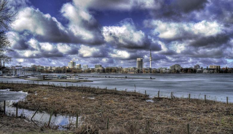 Die Alster in Hamburg im Winter